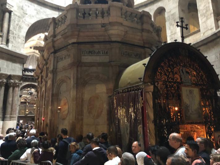 Church of Holy Sepulchre Aedicula Shrine Tomb.jpg