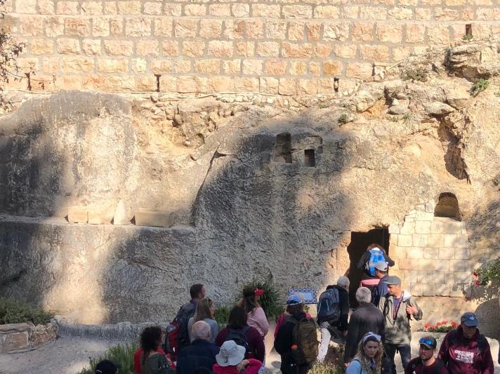 Garden Tomb Outside Line .jpg