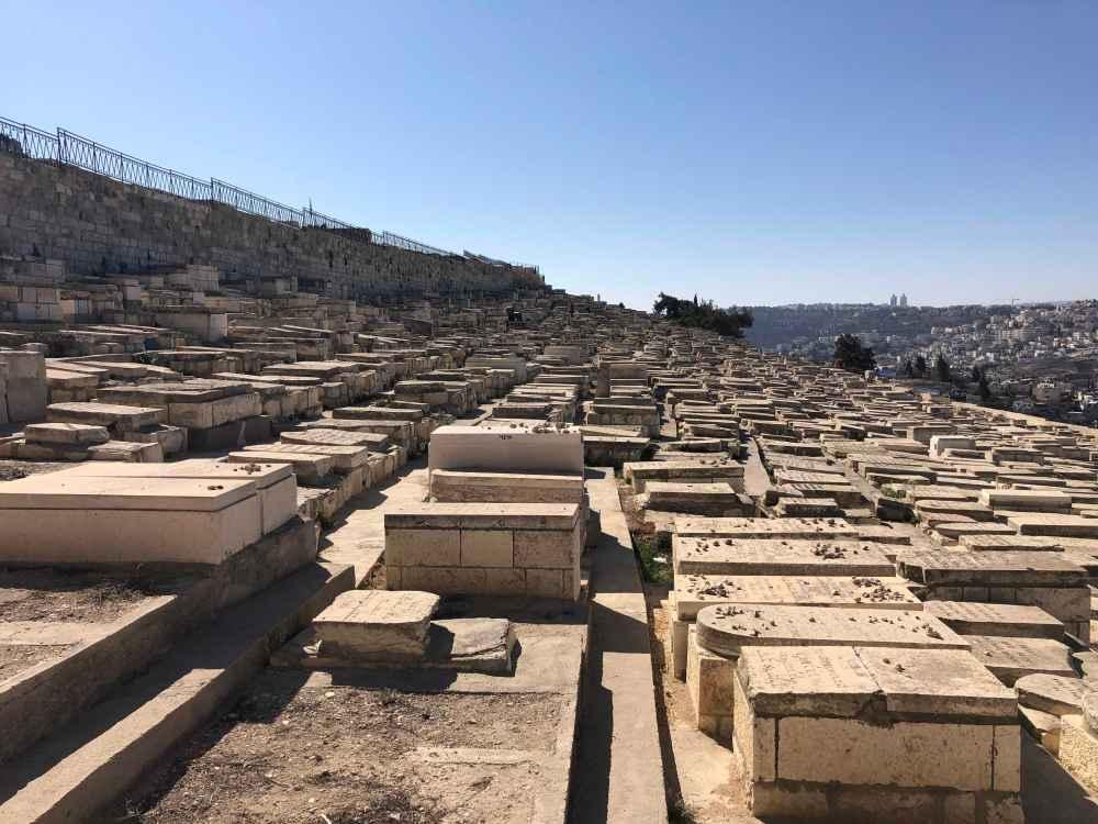 Jerusalem Graves 4.jpg